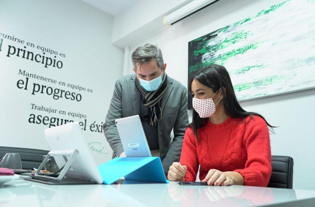 Begoña Villacís y José Aniorte visitaron el Centro de Teleasistencia municipal de Madrid